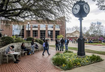 Southeastern holds the line on tuition, other costs for third year in a row Thumbnail