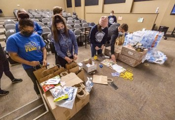 Southeastern participates in community service activities on MLK Day Thumbnail