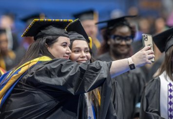Southeastern holds first summer commencement since 1997 Thumbnail